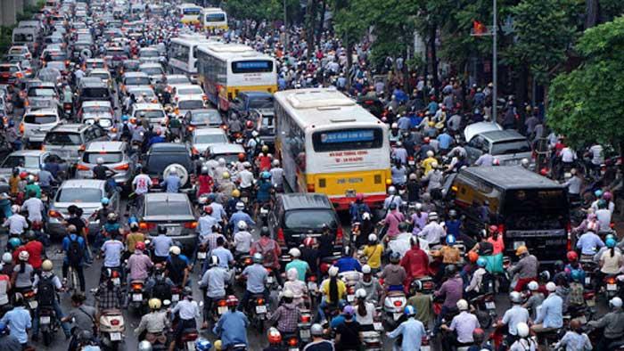Phải cấm xe máy: không đem cái nghèo ra dọa nhau mãi